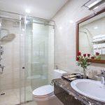 Phòng tắm Roy Dala